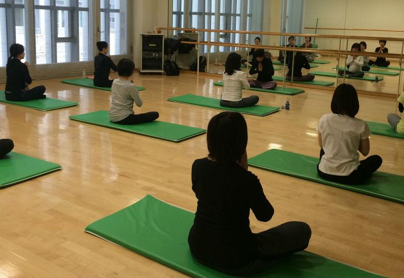 happymina_yoga1